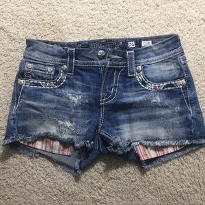 Miss me shorts. Size 26. Perfect condition.